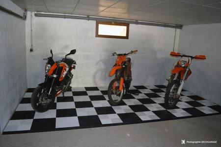 Dalles de sol pour garage moto