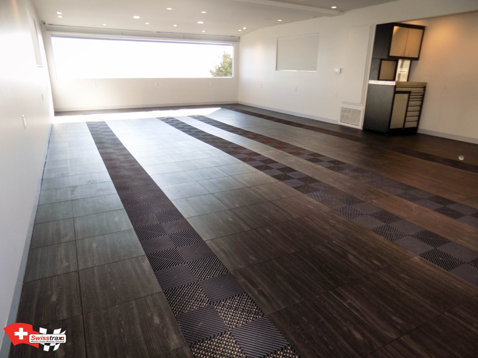 Dalle de sol imitation parquet installation par simple for Dalle led pour garage