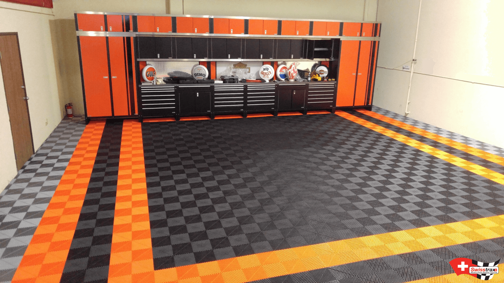 sol garage pour harley davidson transformez votre garage. Black Bedroom Furniture Sets. Home Design Ideas